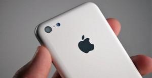 1377682765_apple-iphone-5c-leak-bgr